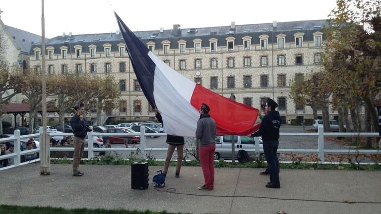 Levée du drapeau